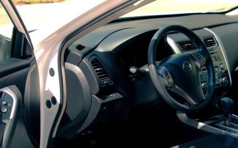 Richiamo auto Nissan e Porsche