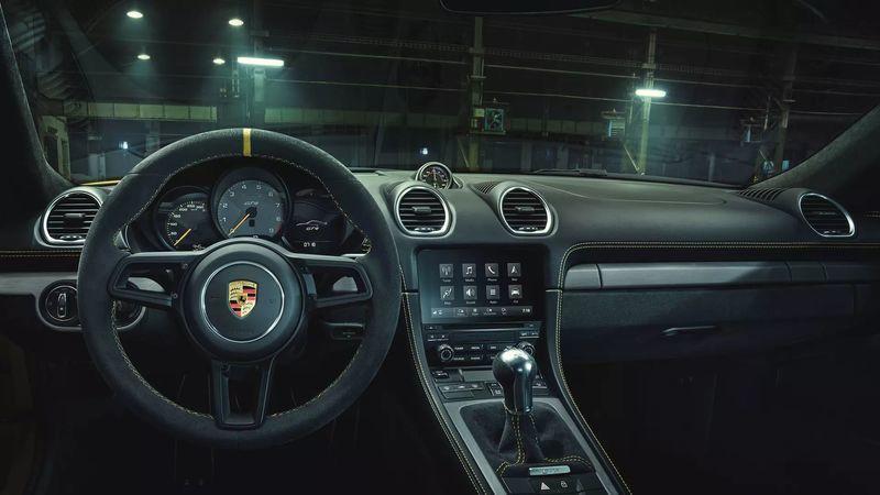 Motore interni Porsche 718