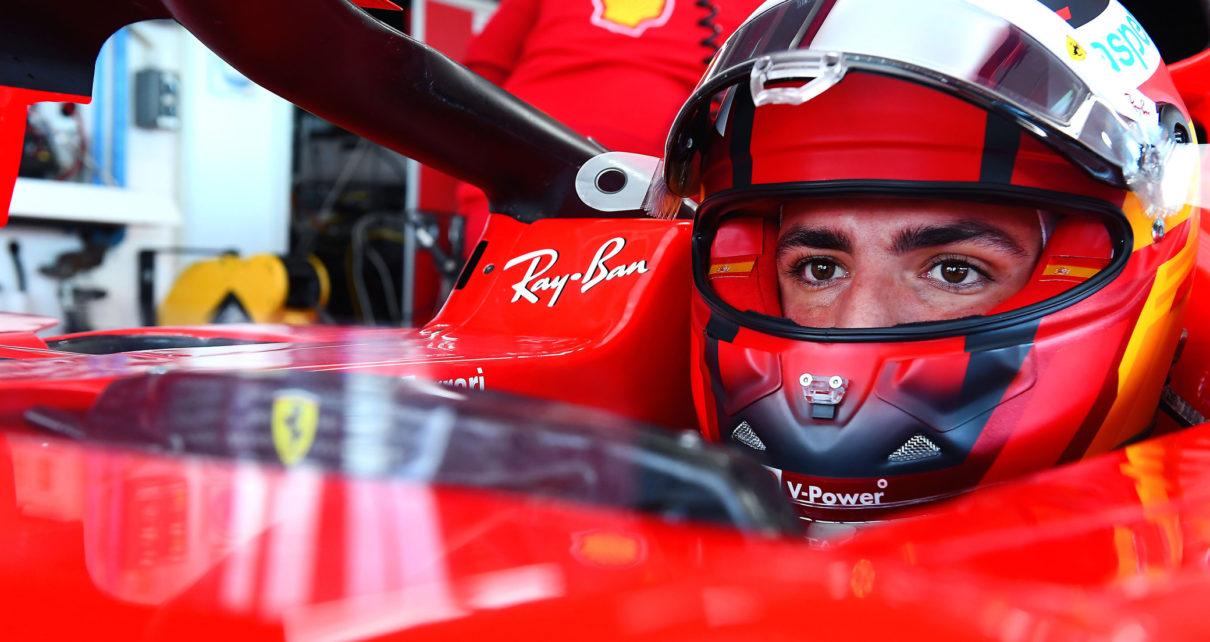 Sainz lotta Mercedes-Ferrari