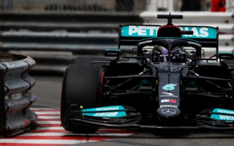 Hamilton contro Mercedes